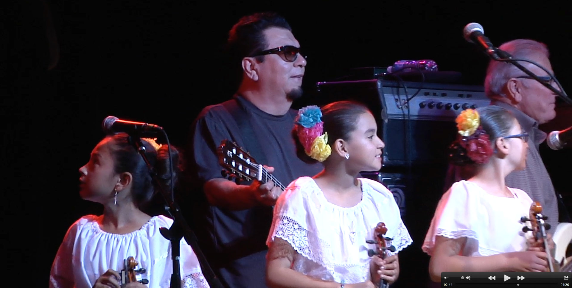 Buckley produces short of youth mariachi with Los Lobos Daniel ...
